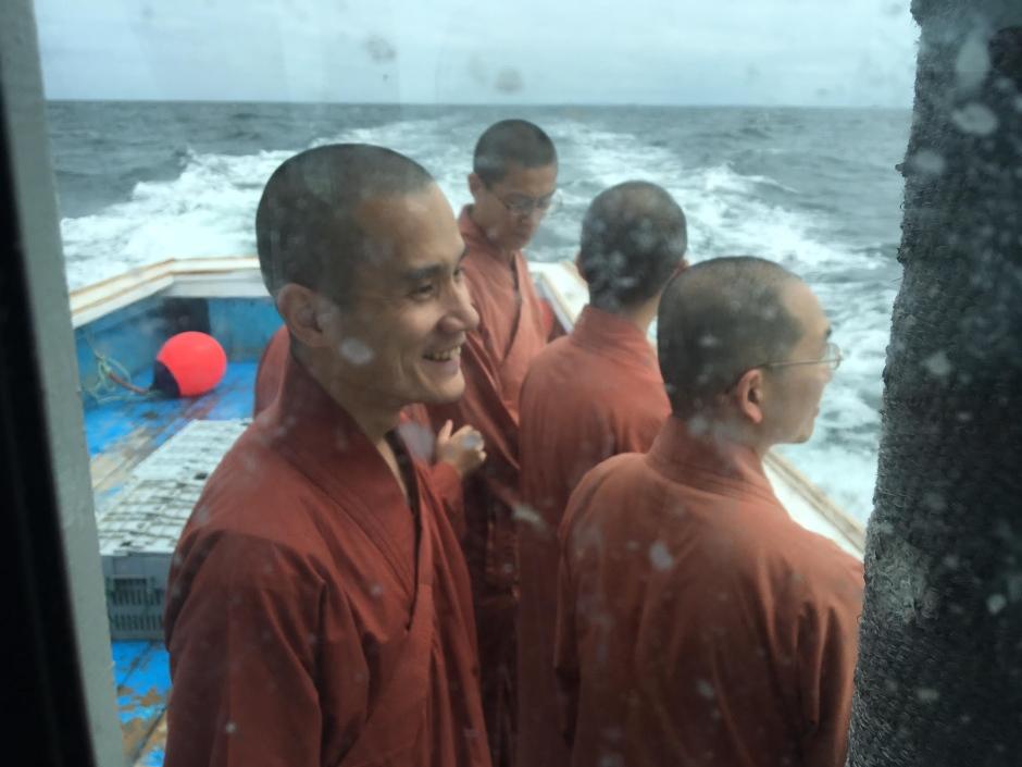 moines-liberent-homards-5