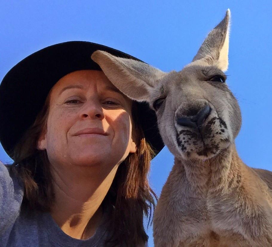 kangaroo-abi-cuddles-3