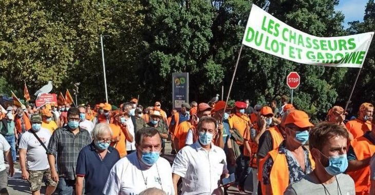 Manifestation contre la chasse à la glu